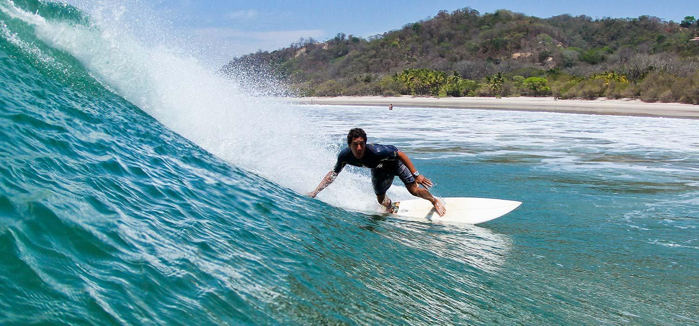 גלישה בקוסטה ריקה עם יוגה טרוולס
