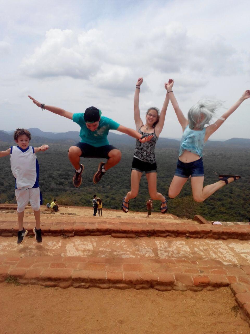 טיול משפחות ביוגה טרוולס