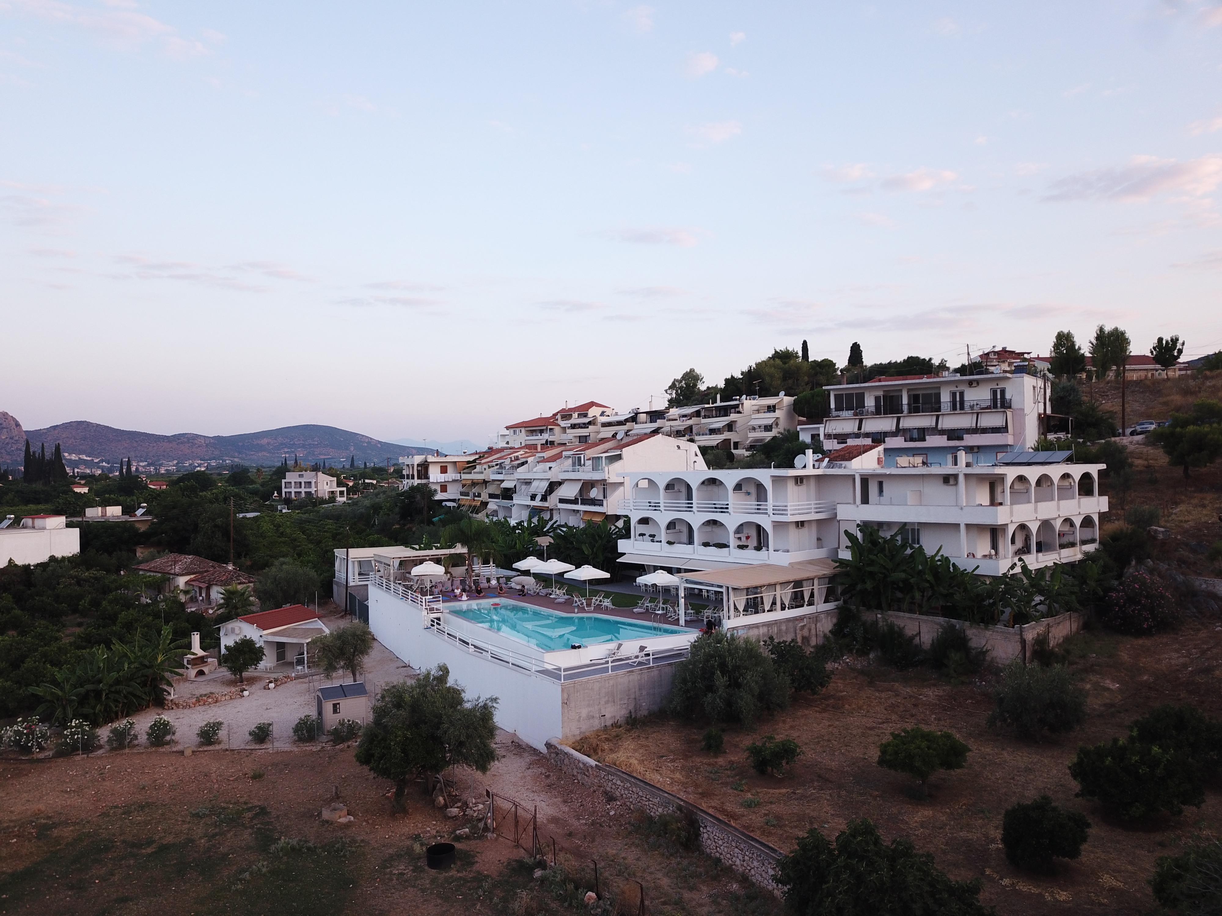 יוגה פילאטיס ומדיטציה ביוון - יוון - יוגה טרוולס